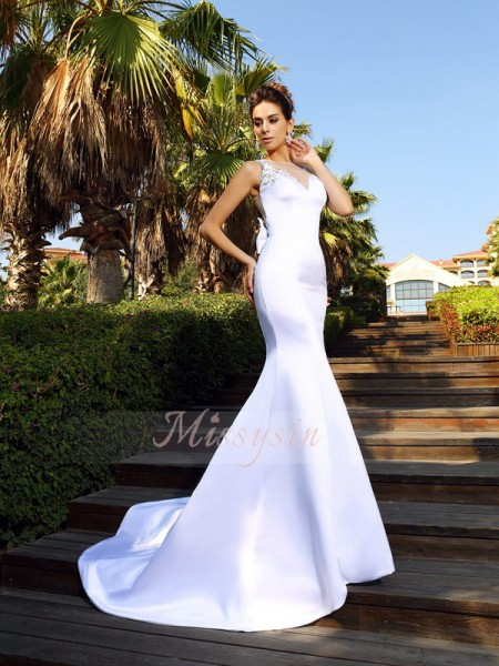 Trumpet/Mermaid Sleeveless Scoop Beading Court Train Satin Dresses