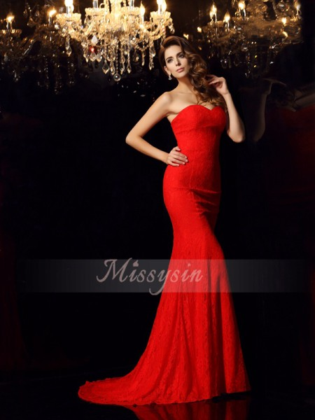 Trumpet/Mermaid Sleeveless Sweetheart Court Train Lace Dresses
