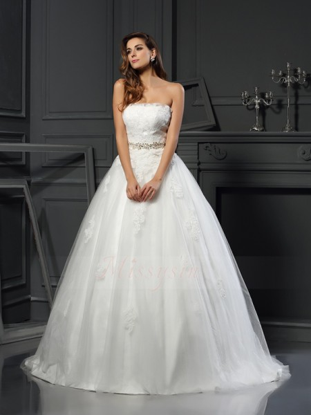 Ball Gown Sleeveless Net Strapless Applique Court Train Wedding Dresses