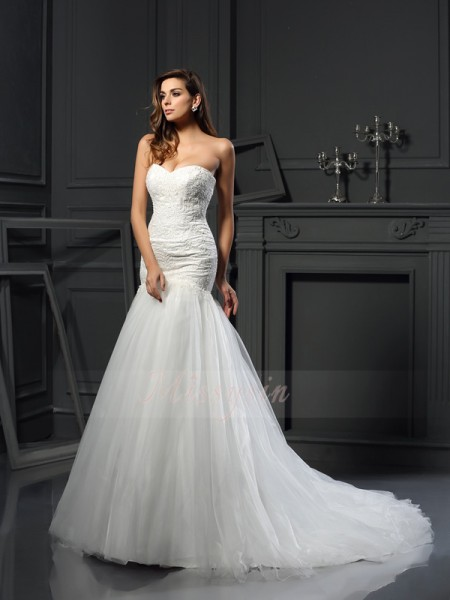 Trumpet/Mermaid Sleeveless Tulle Sweetheart Applique Chapel Train Wedding Dresses