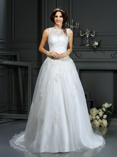 A-Line/Princess Sleeveless Net Scoop Applique Court Train Wedding Dresses