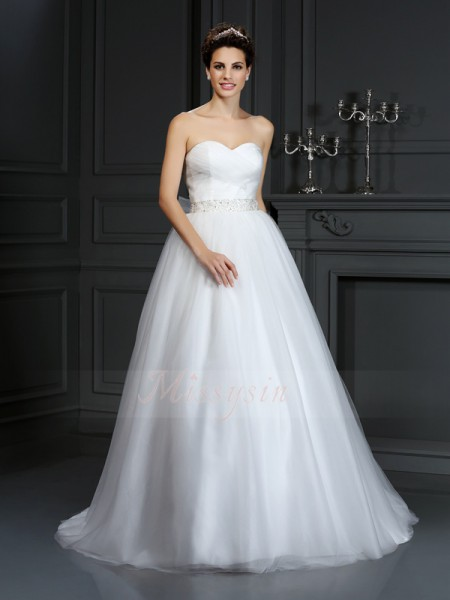 Ball Gown Sleeveless Net Sweetheart Beading Court Train Wedding Dresses