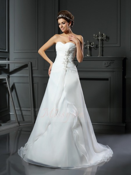 A-Line/Princess Sleeveless Satin Sweetheart Ruched Chapel Train Wedding Dresses