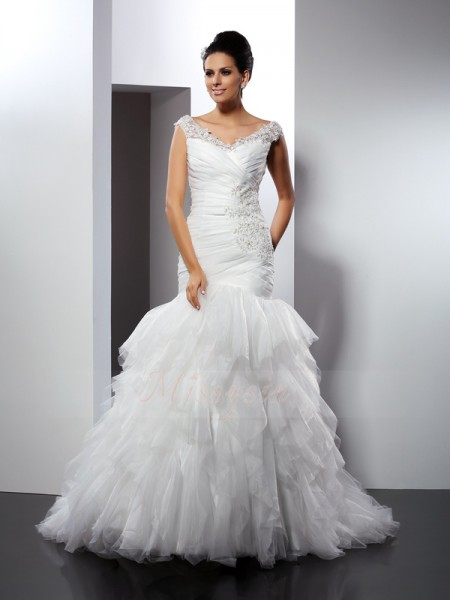 Trumpet/Mermaid Sleeveless Tulle V-neck Applique Cathedral Train Wedding Dresses