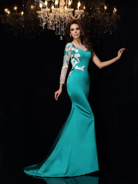 Trumpet/Mermaid Sleeveless Satin Scoop Beading Court Train Dresses