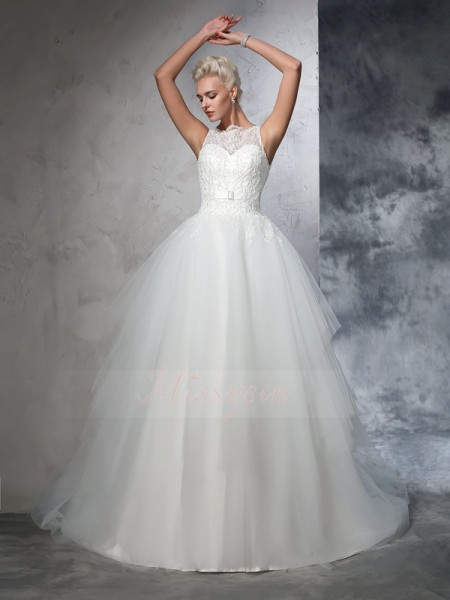 Ball Gown Sleeveless Bateau Applique Chapel Train Net Wedding Dresses