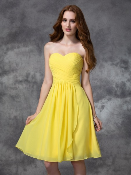 A-line/Princess Sleeveless Sweetheart Ruched Knee-length Chiffon Bridesmaid Dresses