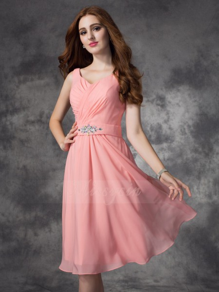A-line/Princess Sleeveless Straps Rhinestone Knee-Length Chiffon Bridesmaid Dresses