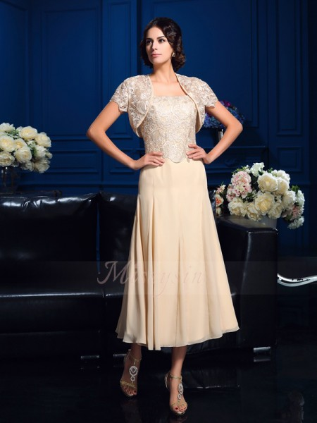 A-Line/Princess Sleeveless Square Applique Knee-Length Chiffon Mother of the Bride Dresses