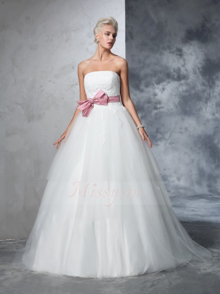 Ball Gown Sleeveless Strapless Bowknot Court Train Net Wedding Dresses