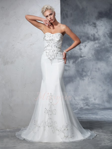Trumpet/Mermaid Sleeveless Sweetheart Beading Court Train Satin Wedding Dresses