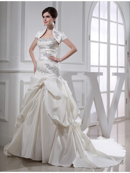 Trumpet/Mermaid Strapless Chapel Train Beading Sleeveless Satin Wedding Dresses