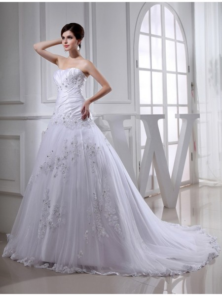 A-Line/Princess Strapless Chapel Train Beading,Applique Sleeveless Taffeta,Tulle Wedding Dresses