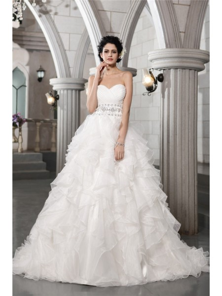 Ball Gown Sweetheart Chapel Train Beading Sleeveless Organza Wedding Dresses