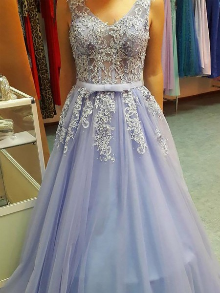 A-Line/Princess Sleeveless Applique V-neck Floor-Length Tulle Dresses