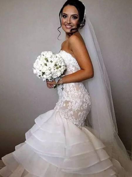 Trumpet/Mermaid Sleeveless Sweetheart Organza Chapel Train Ruffles Wedding Dresses