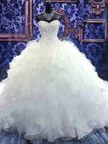Ball Gown Sleeveless Sweetheart Organza Chapel Train Beading Wedding Dresses