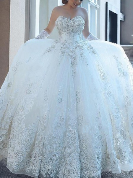 Ball Gown Sleeveless Sweetheart Tulle Cathedral Train Applique Wedding Dresses