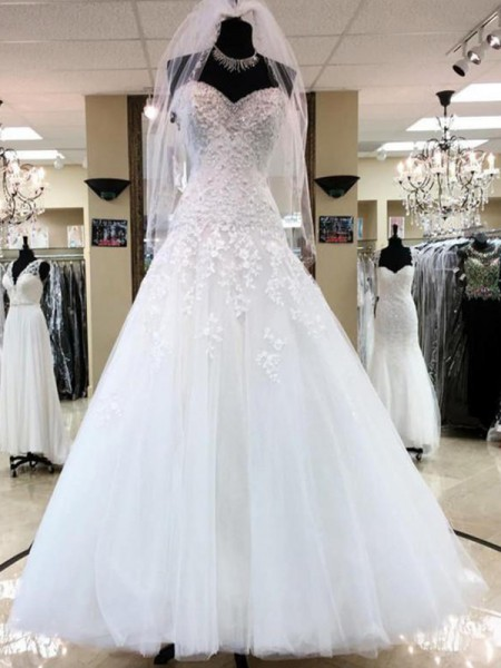 Ball Gown Sleeveless Sweetheart Tulle Floor-Length Applique Wedding Dresses
