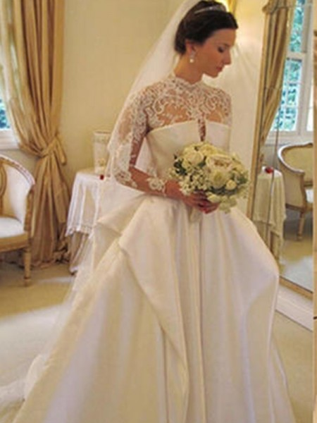 Trumpet/Mermaid Long Sleeves Square Organza Chapel Train Applique Wedding Dresses