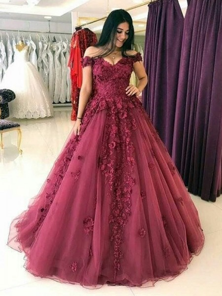 Ball Gown Sweep/Brush Train Off-the-Shoulder Applique Sleeveless Tulle Dresses
